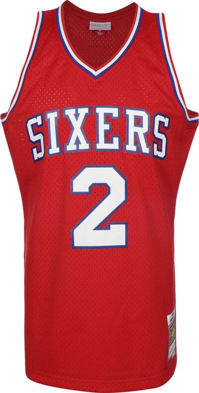 1982-83 Philadelphia 76ers Swingman Moses Malone
